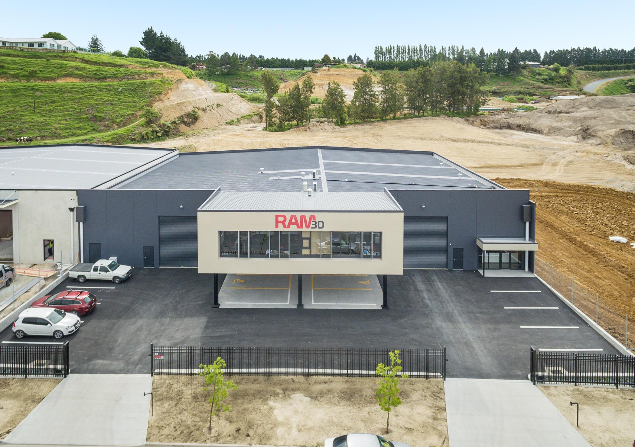 Renishaw helps Rapid Advanced Manufacturing open New Zealand facility