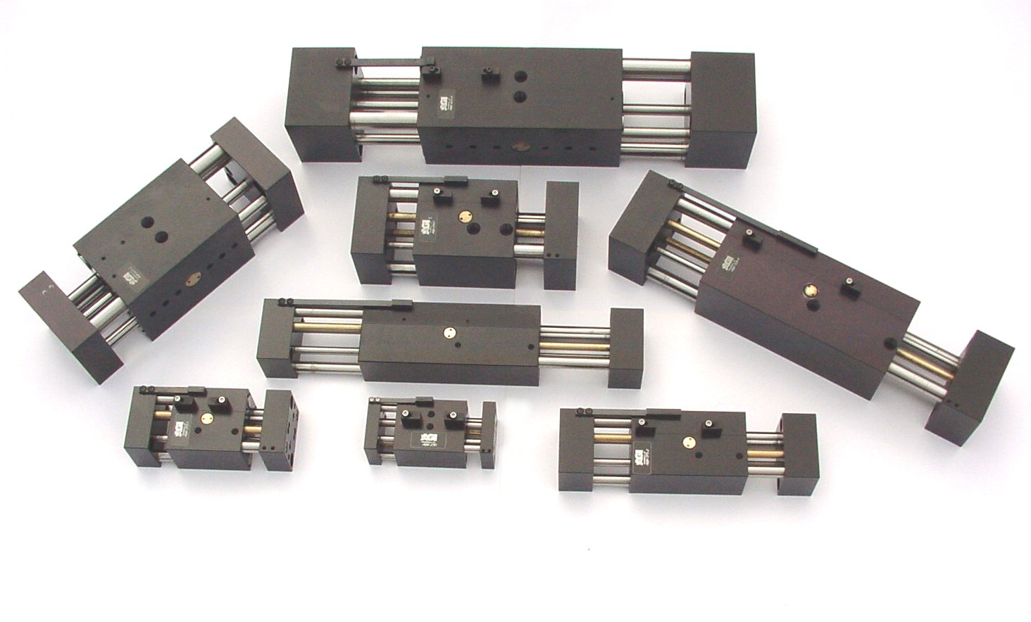AGW Pneumatic parallel grippers with long stroke